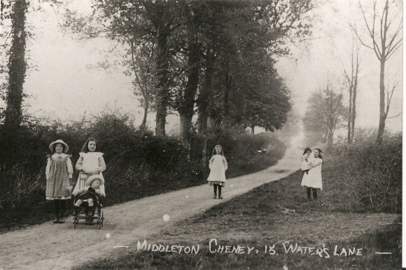 Children playing in Waters Lane pre-1914