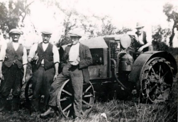 Middleton Cheney Farm Workers circa 1933